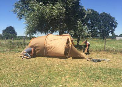 01-Paardenkamp-jongeren-Slapen-in-tent-bij-paarden